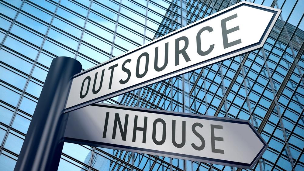 Hvilke bedrifter outsourcer
