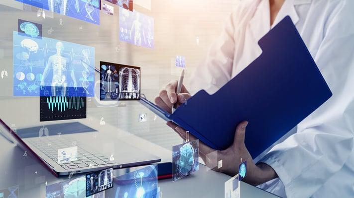 Ohjelmistorobotti tekee varauksen laboratorion ajanvarausjärjestelmään ja lähettää koronatestin tuloksen vastaanottajalle tekstiviestillä.