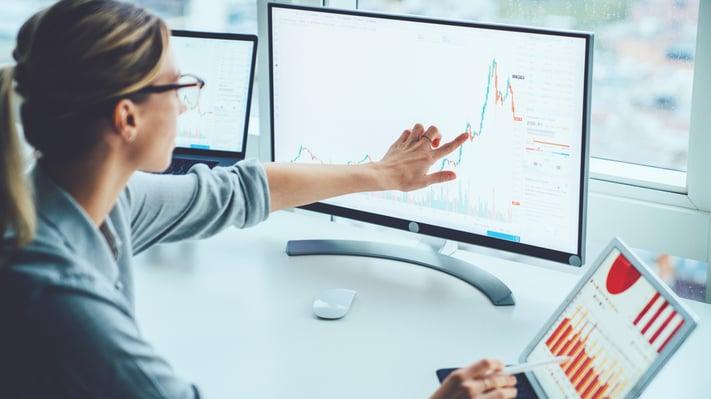 Moderni taloushallinto näyttäytyy tehokkaampina talouden järjestelminä, automaatiopotentiaalin hyödyntämisenä sekä suoraviivaisina prosesseina, joita mitataan talouden KPI-mittareilla.
